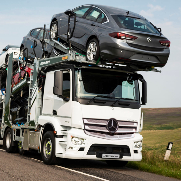 Rolfo Group and Unirolfo team up with Mercedes-Benz Trucks UK to launch innovative car transporter: image