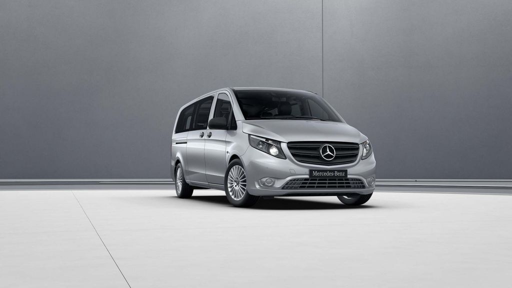Mercedes-Benz Vito 2.1 CDi Select  £31,895